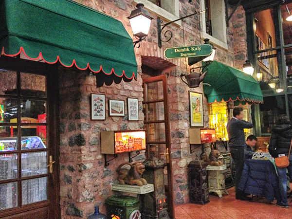 koç müzesi demlik kafe